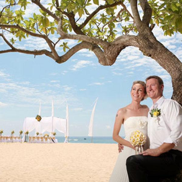 White Sandy Beach Wedding